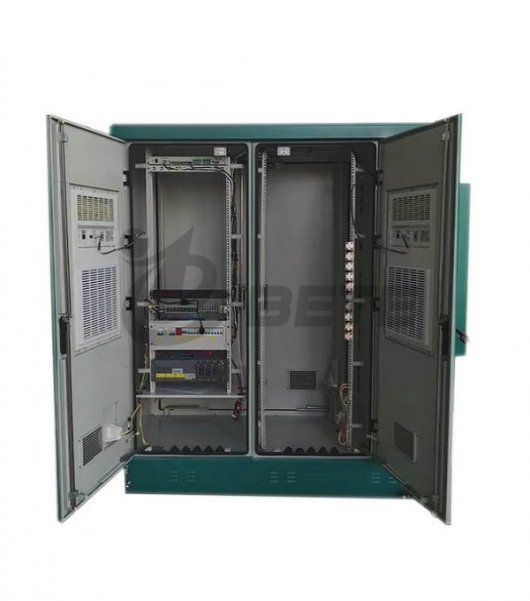 Three Bay Air Conditioner Cooling Galvanized Steel Outdoor Base Station Green Color With Fiber Distribution