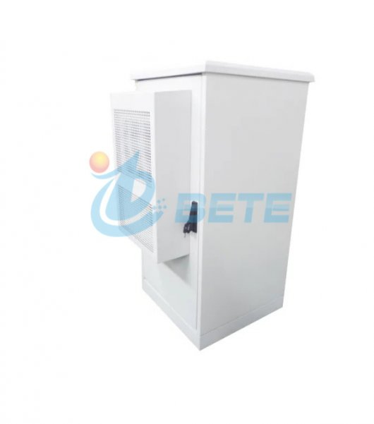 32U Outdoor Telecom Cabinet Galvanized Steel Double Wall Cabinet