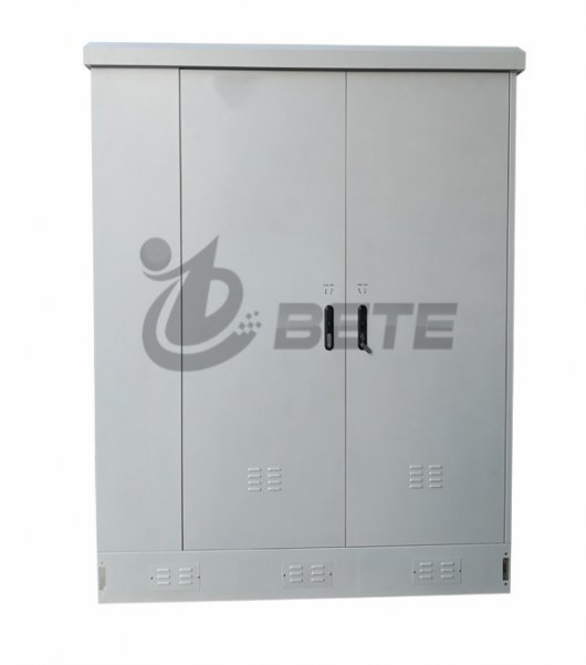 IP55 Three Bays Outdoor Telecom Cabinet Floor Mounting Air Conditioning System