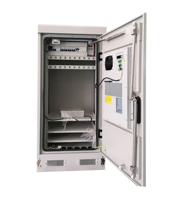 Outdoor Telecom Enclosure Galvanized Steel With PDU Monitor IP55